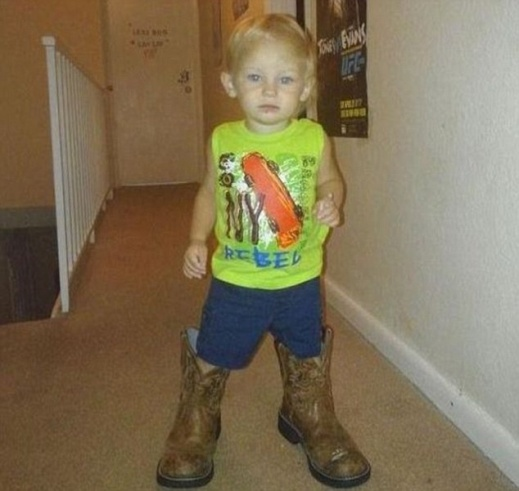 2AD18F9E00000578-3176062-Missing_Lonzie_Barton_seen_here_was_last_seen_at_Ravenw